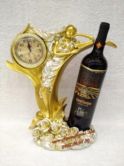 Kệ Rượu Vang Thiếu Nữ Tựa Vang