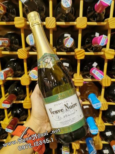 Rượu vang Nổ VeuVe Noire