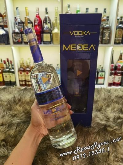 Rượu Vodka Medea đèn Led